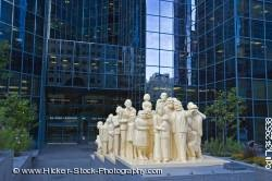 Illuminated Crowd statue artist Raymond Mason BNP Tower Montreal